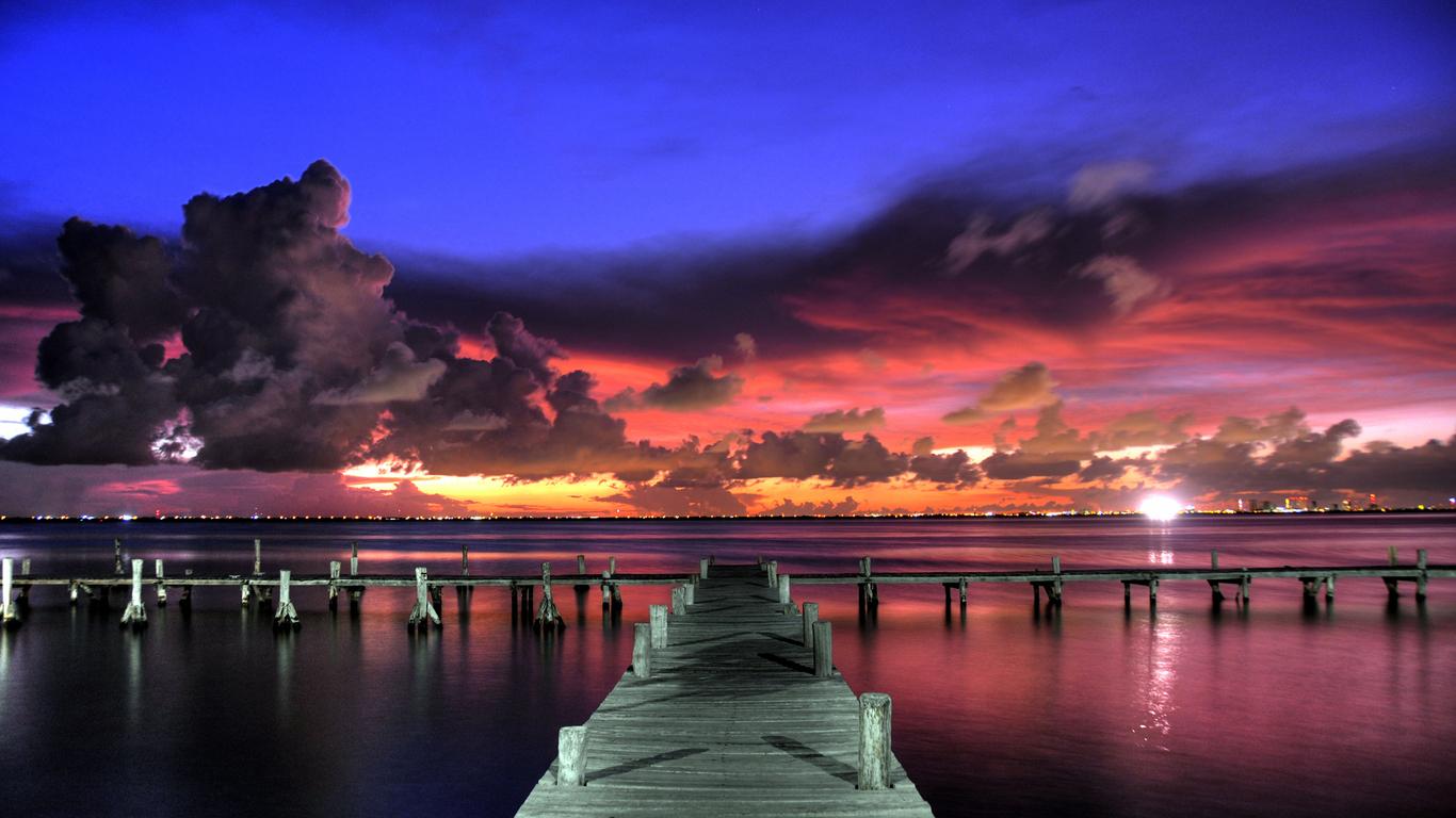 Вечерняя красота моря 1366 x 768