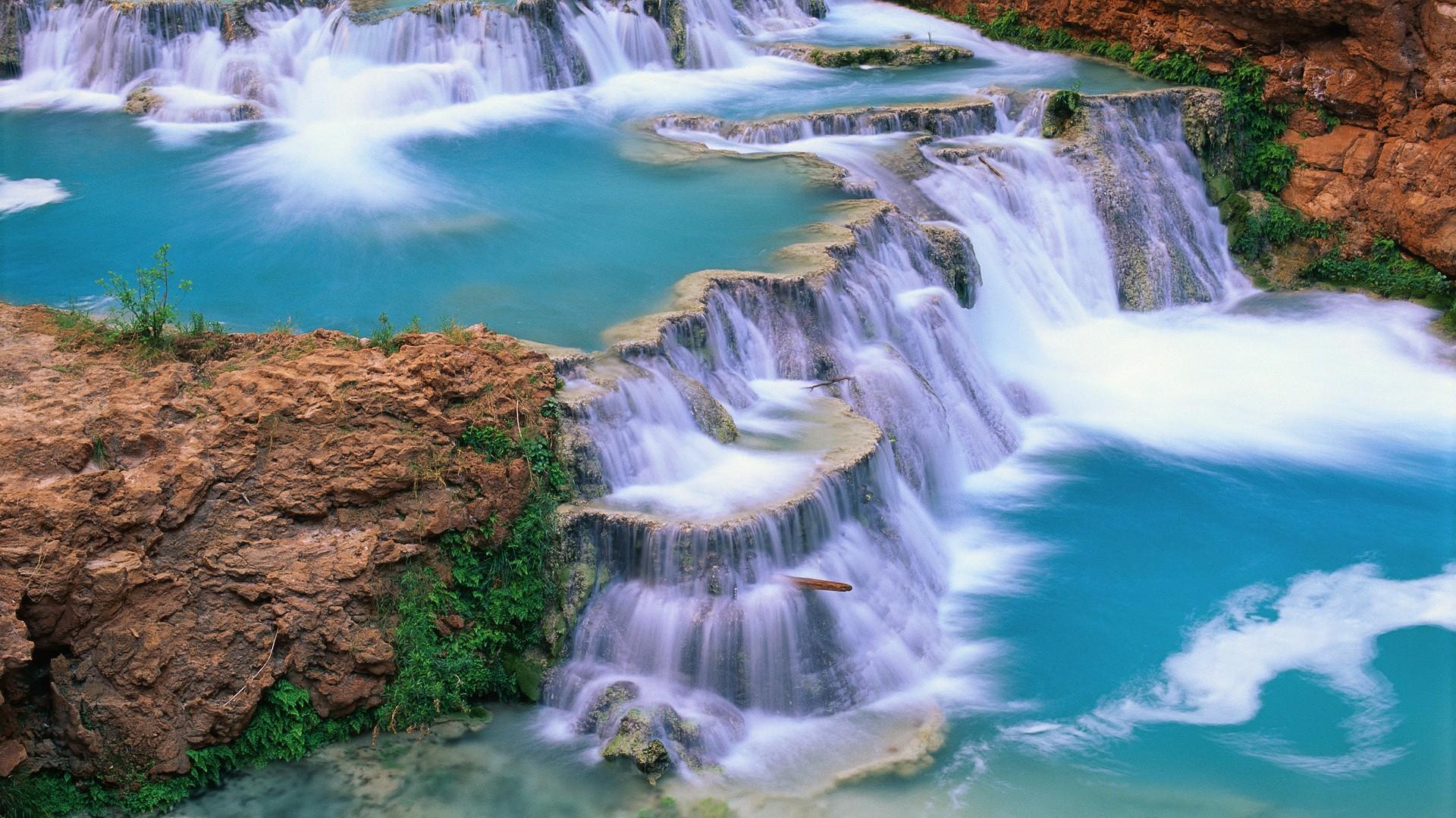 Водопад 1920 x 1080