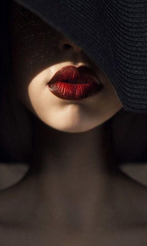 Фото на аву для девушек губы
