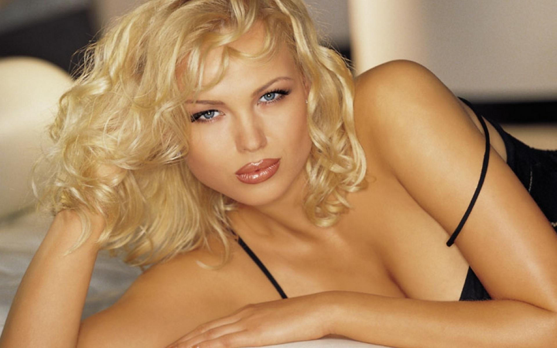 Самая красивая сексуальная дама 18 фотография