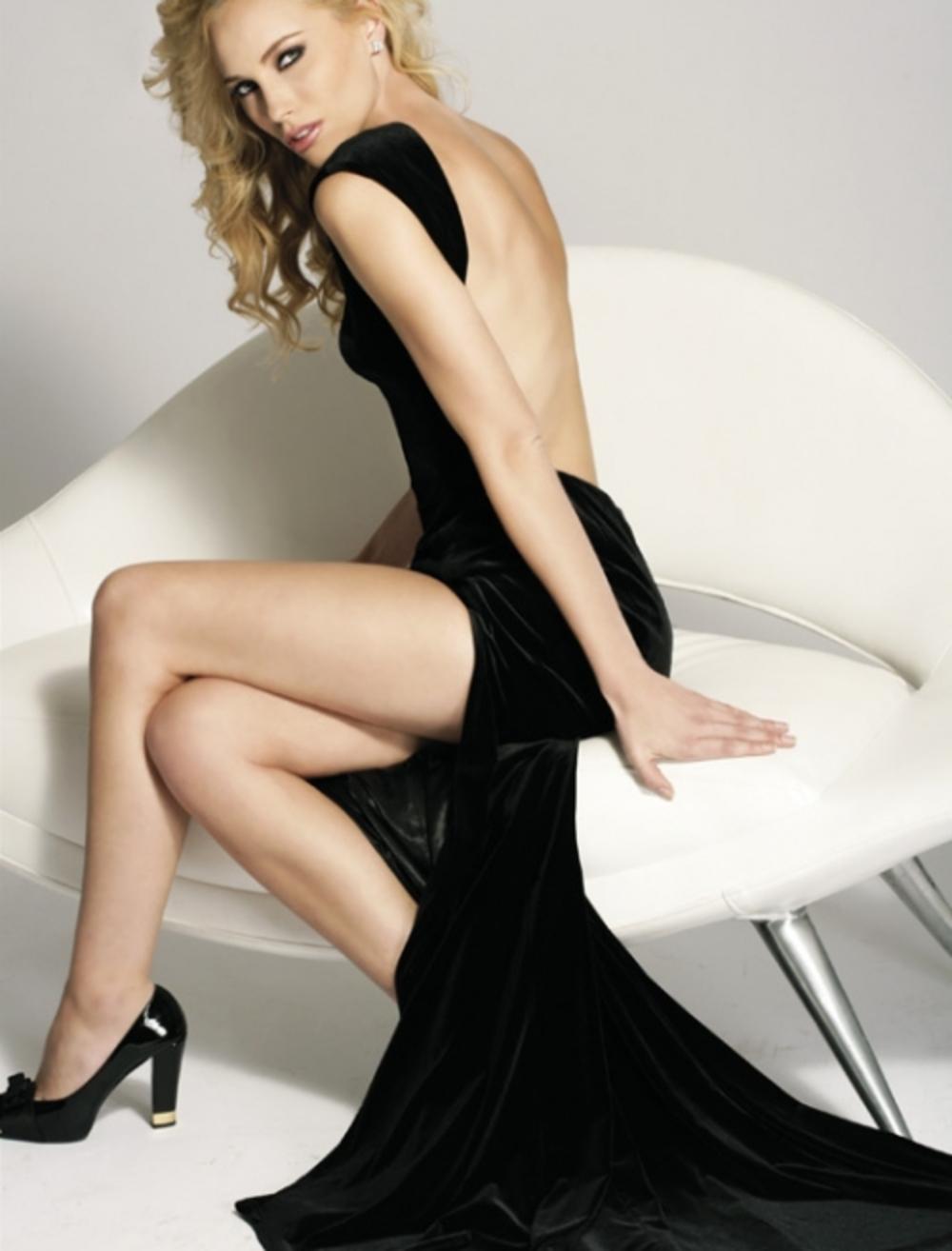 Фото ганих жіночих ніжок в облягаючи сукнях 25 фотография