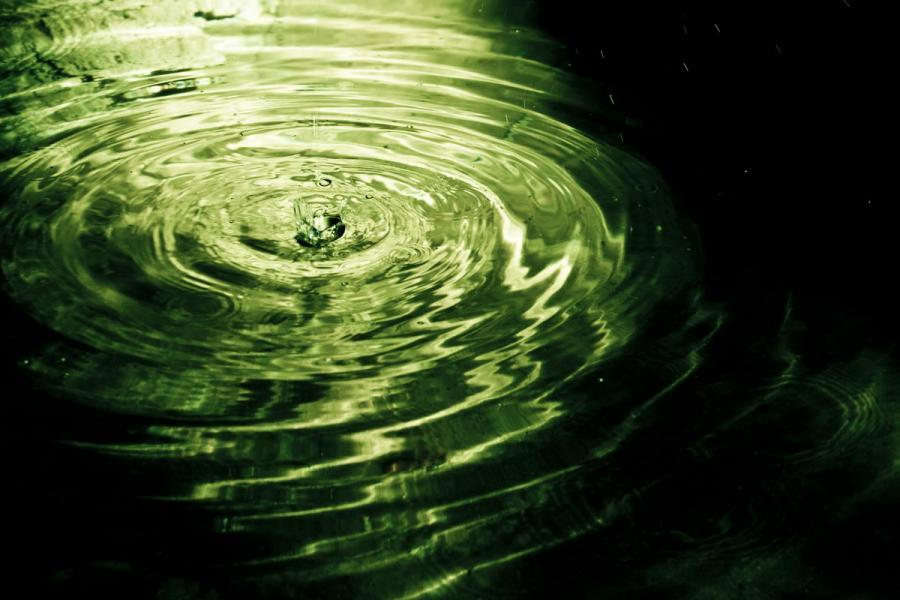 Вода 900 x 600