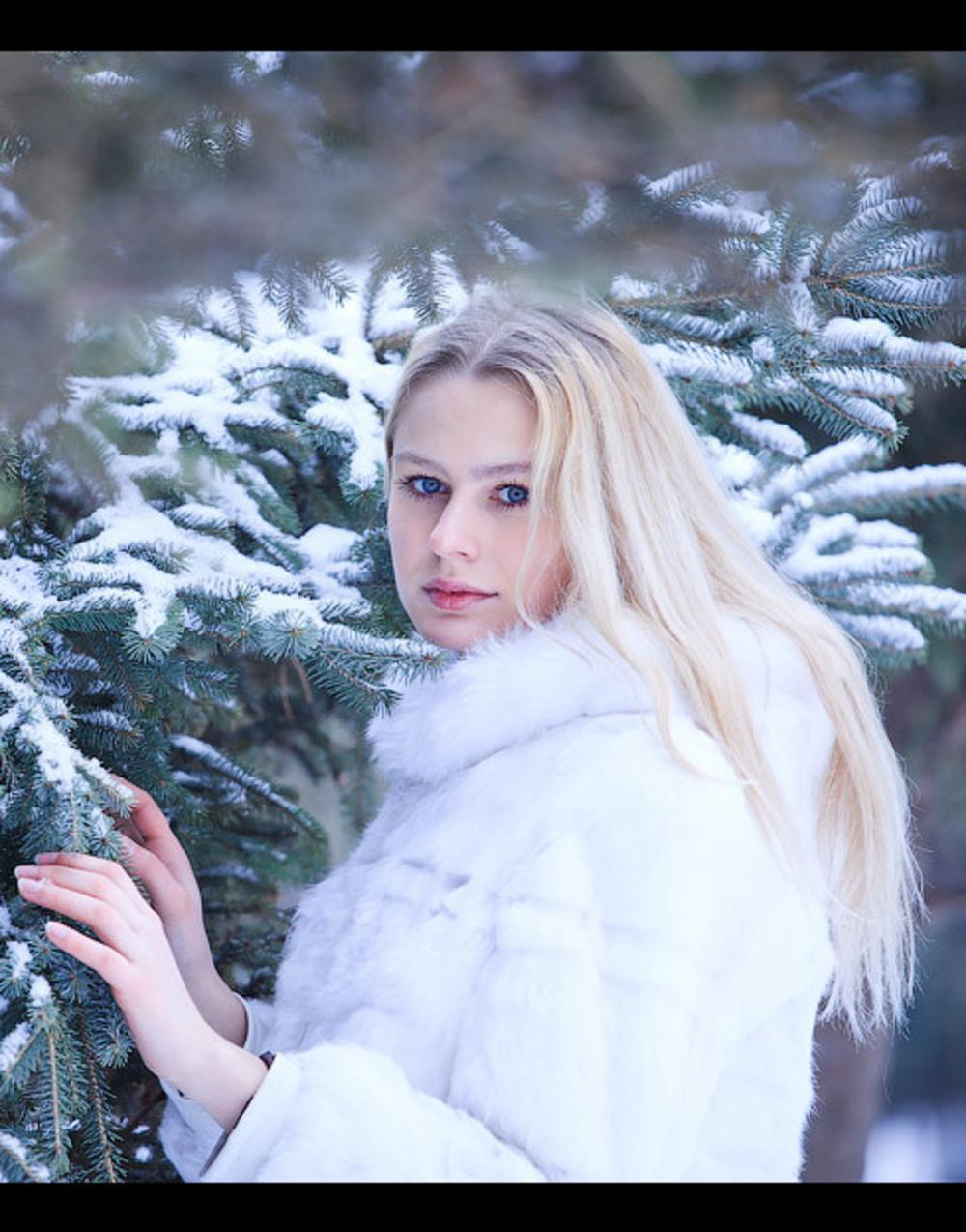 Картинки женщина и зима на рабочий стол