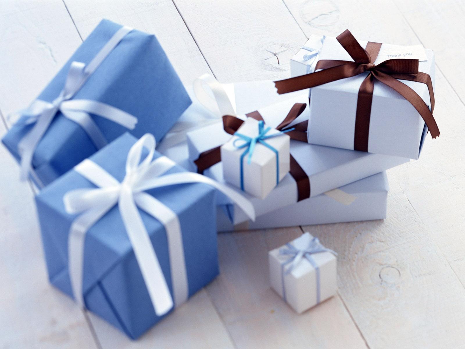 Подарки 1600 x 1200