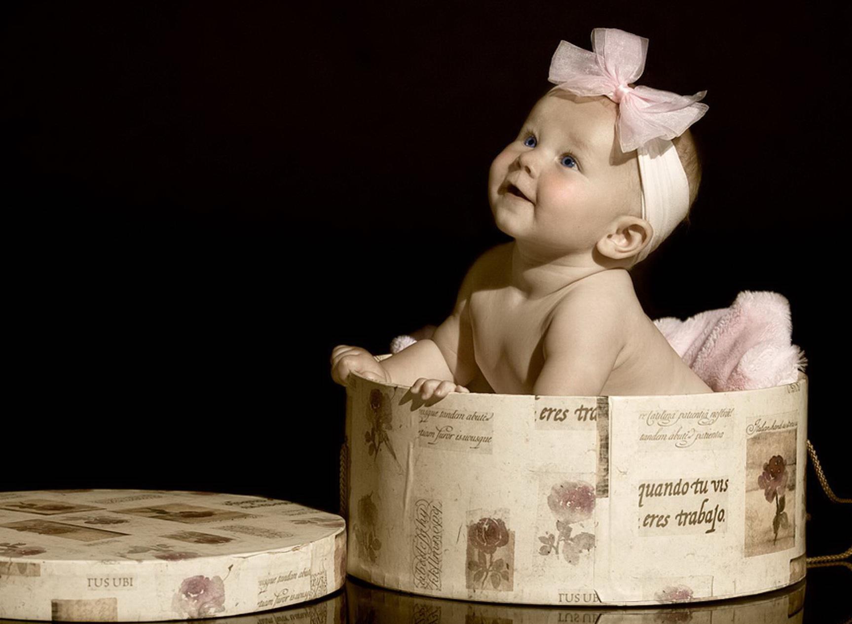 Малыш 1727 x 1266