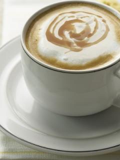 Картинка на рабочий стол на тему кружка, белый, блюдце, Кофе, печенье, чашка с размером 320 на 480 в высоком качестве.